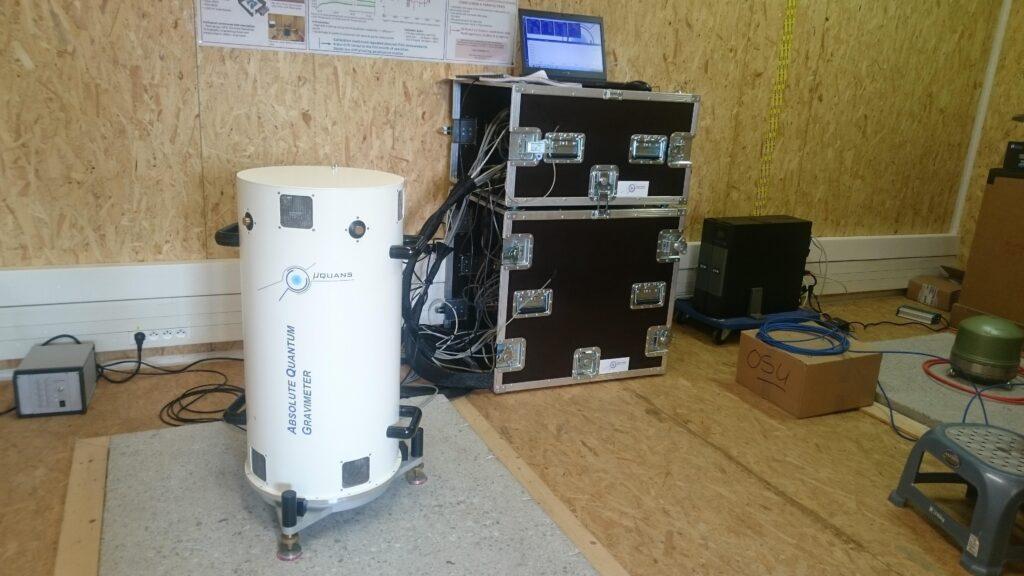 Quantum absolute gravimeter Muquans AQG at the Larzac observation site
