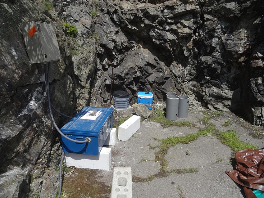 Station sismologique SisMob SG01 du projet Barrage de Saint Guérin situé sur la commune d'Arêches-Beaufort (Savoie)